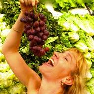 Taylor loves grapes